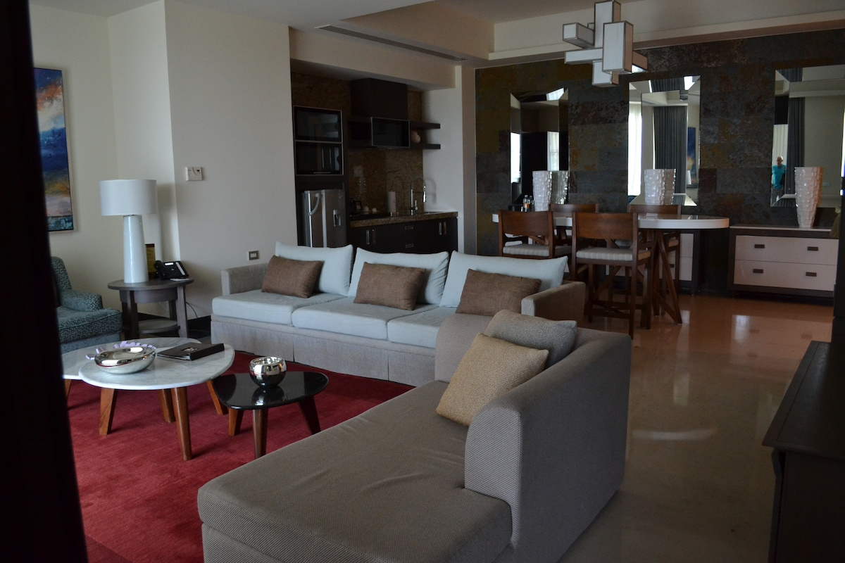 Grand Luxxe Presidential Suite