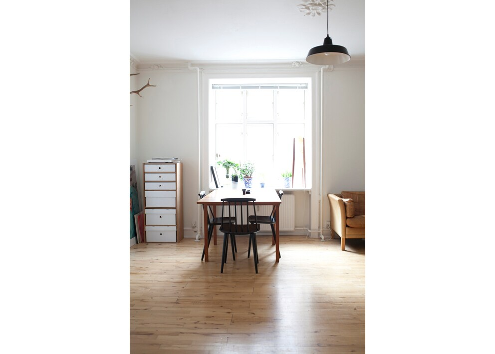 Living room - large dining table