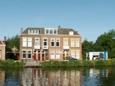 Big house, at typical Dutch canal