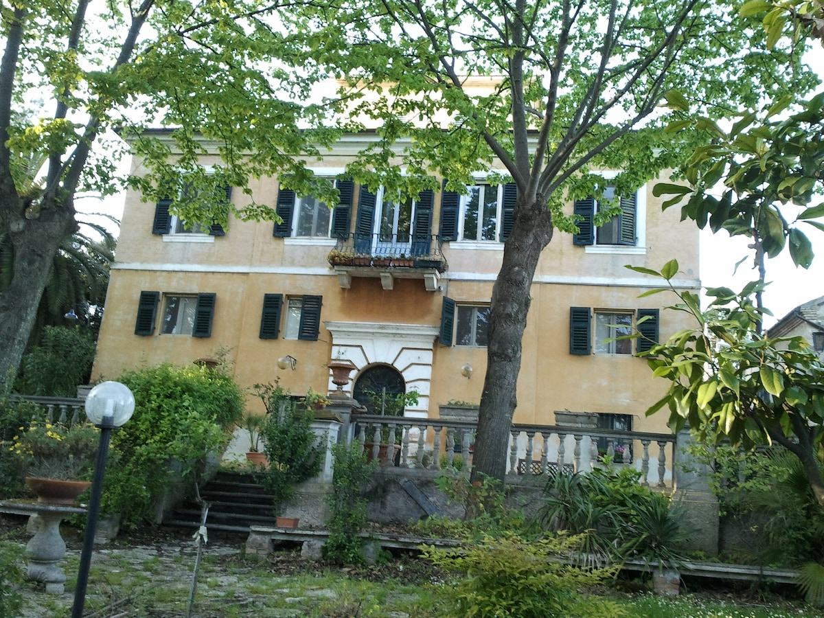 Historic villa with beautiful parc