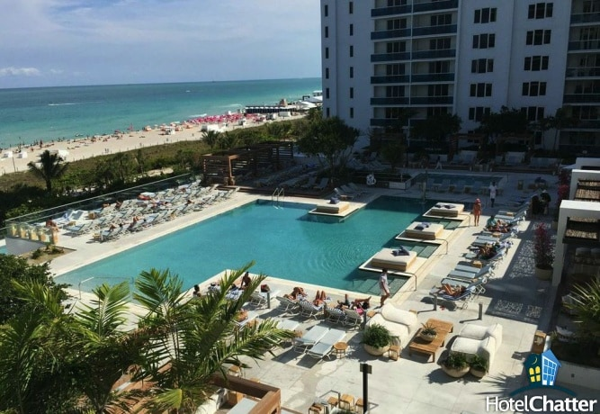 walk down to the beach from the main pool deck
