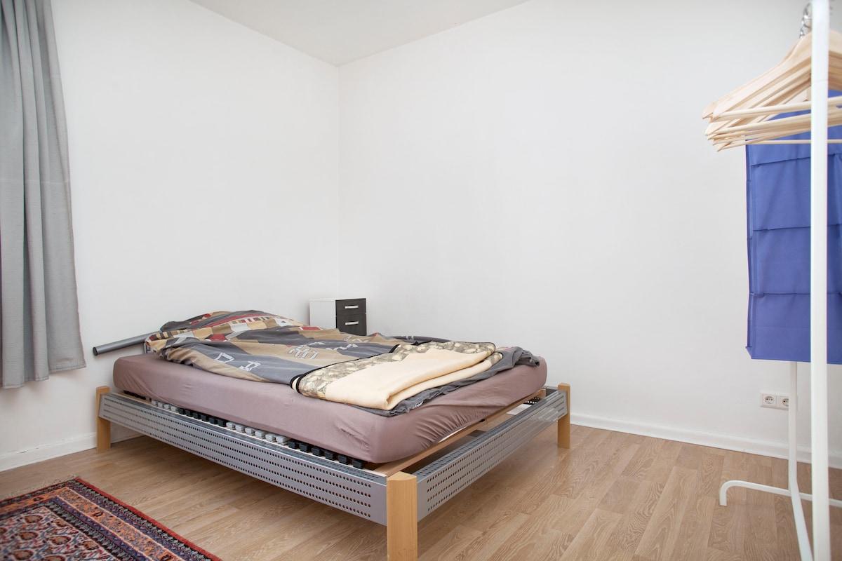 Bright room in Berlin-Steglitz