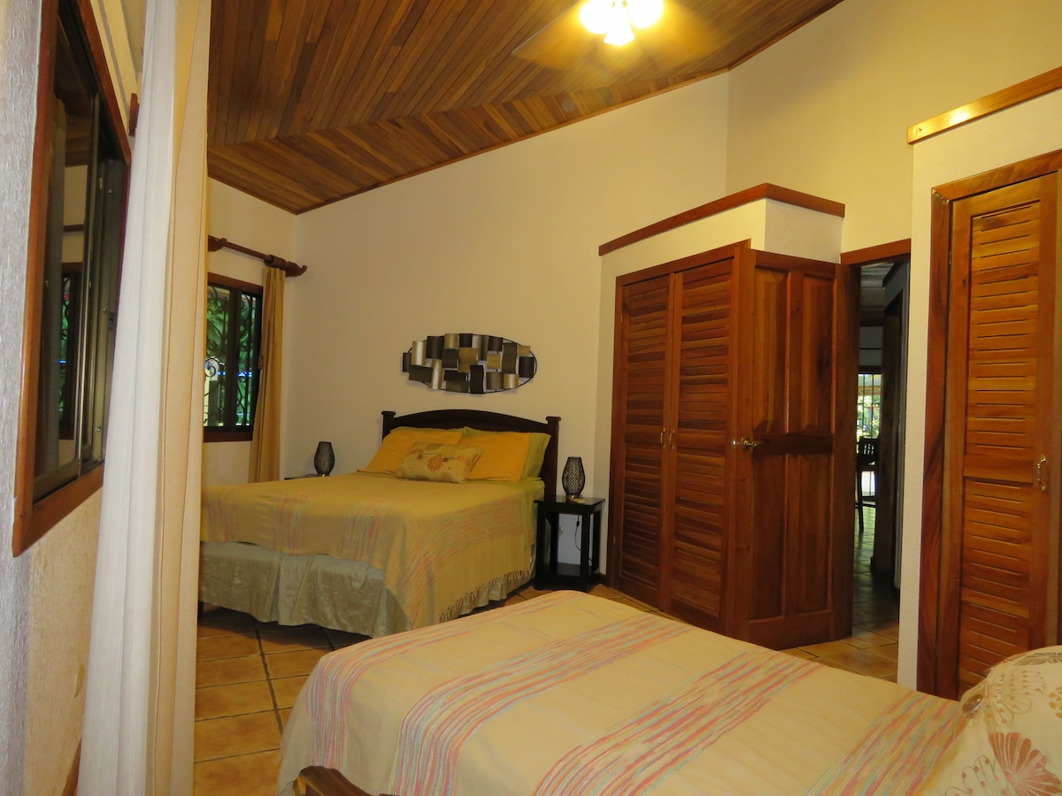 3rd Bedroom with full and twin bed