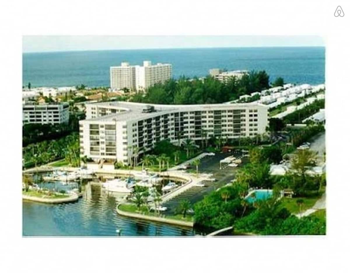 2/2 Condo at #1 Rated Beach in US