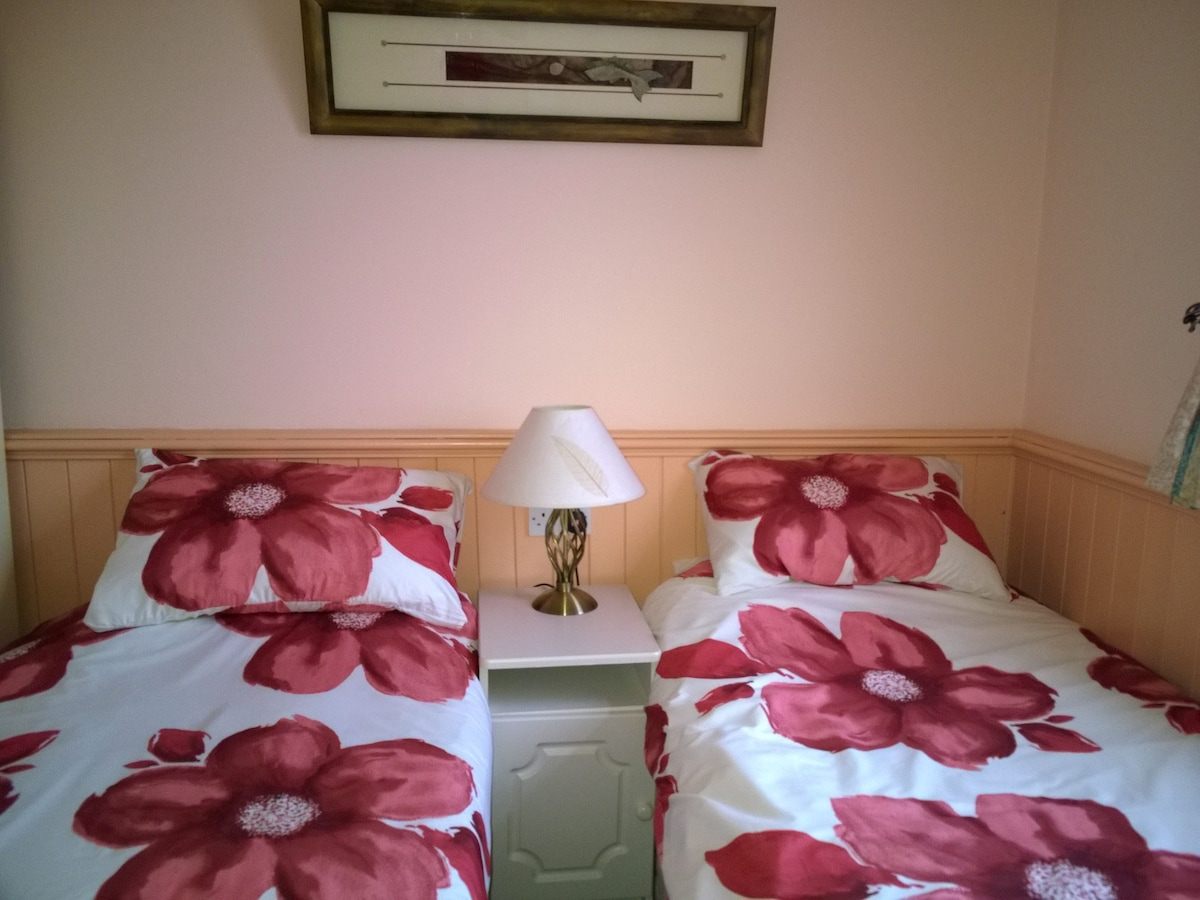 Cosy room on Dingle Harbour.