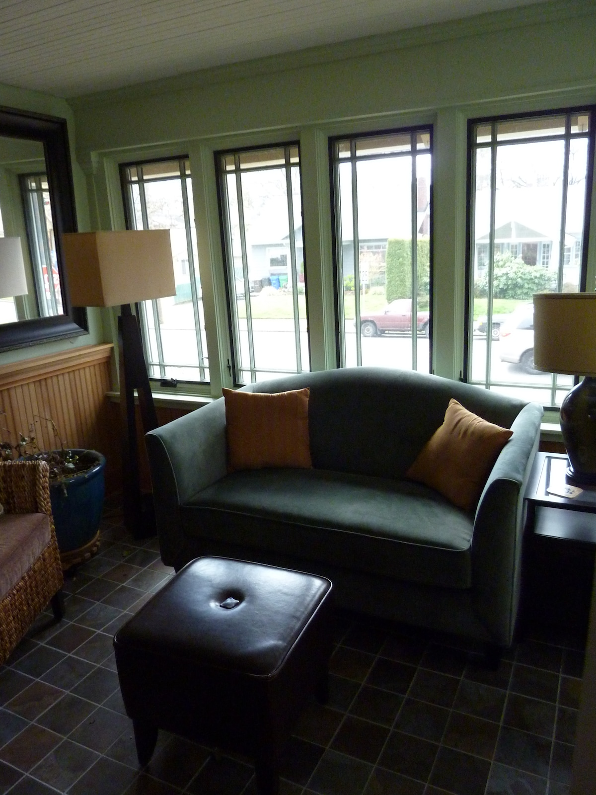 Sunroom -- great for reading and morning cup of coffee!