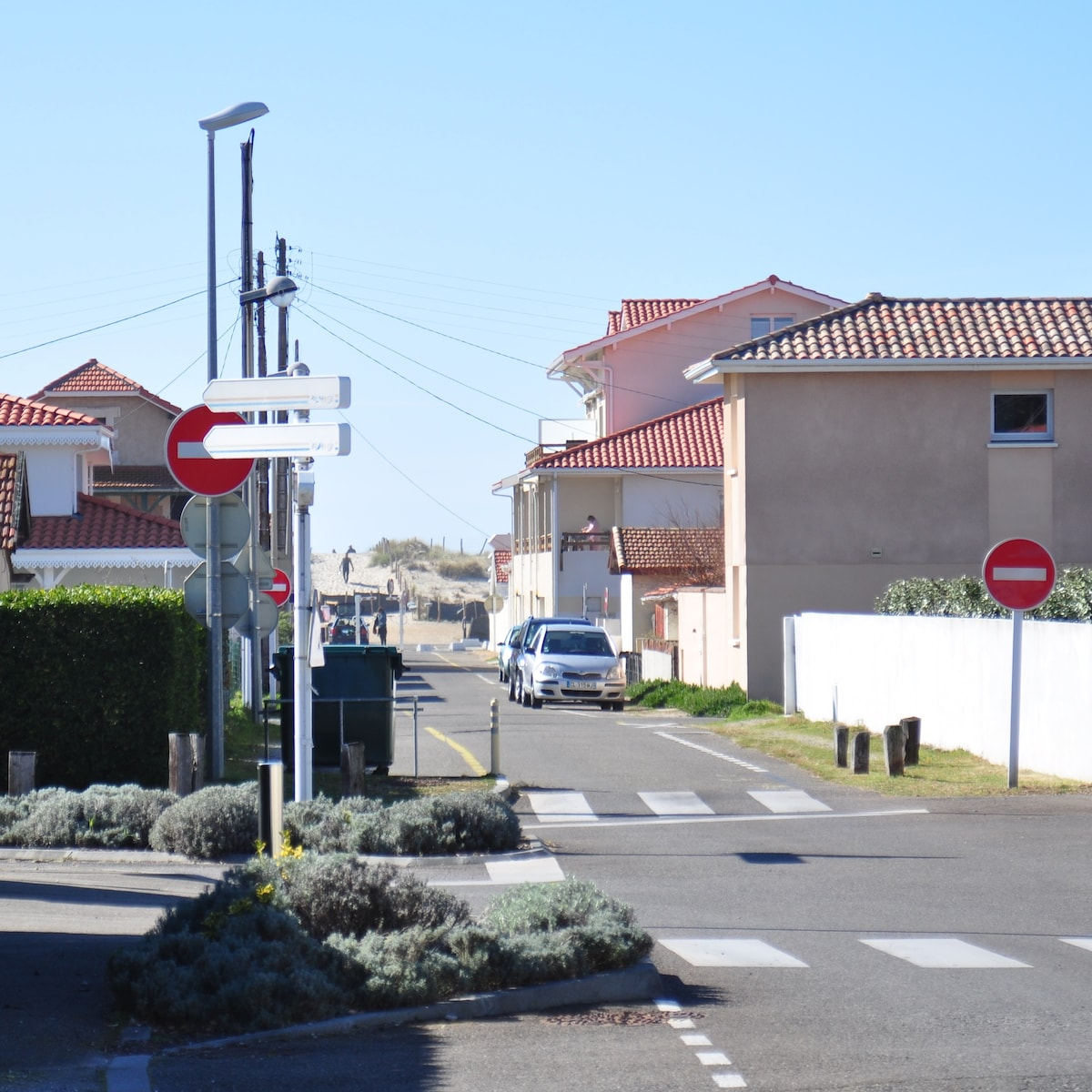 Rue des Pinsons and beach access 200m from the house