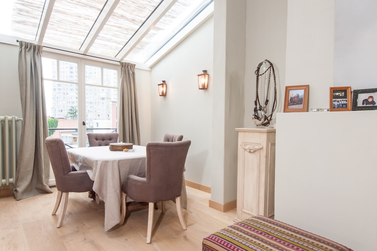 """The dining """"room"""" is adjacent to the living room and kitchen"""