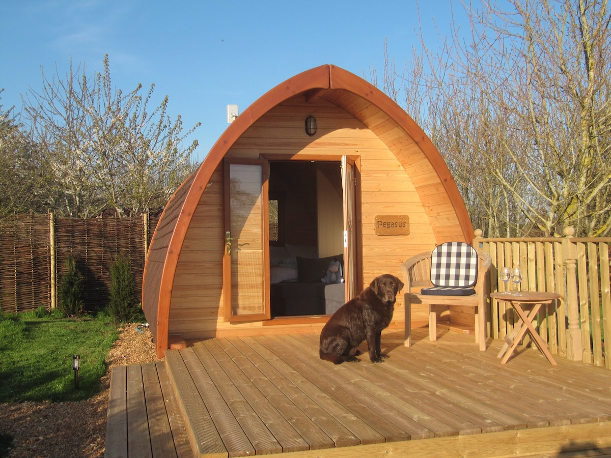 Fully self-contained Glamping Pod
