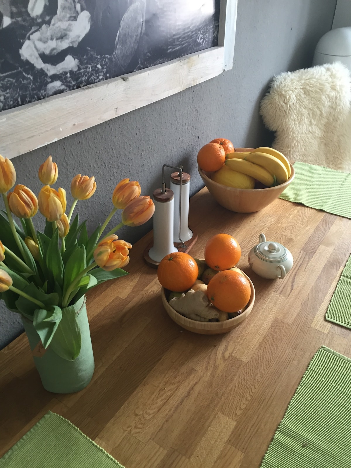 fresh fruits and Flowers are a must in my Apartment ..