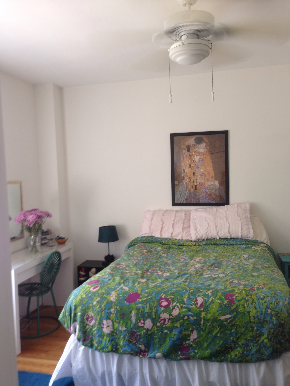 Sunny Apt in Dupont Circle