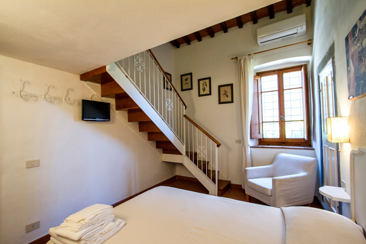 Confortable room in old farmhouse