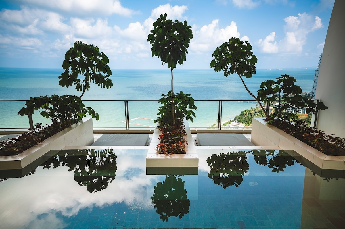 Luxury apartment NorthPoint Pattaya