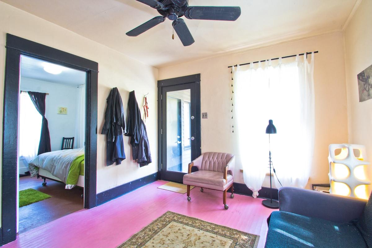 Room 1 in Echo Park hillside house
