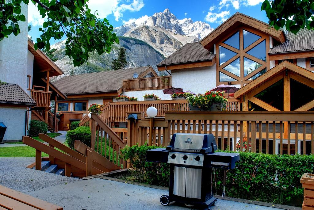 2 bed Banff Rocky Mountain Resort