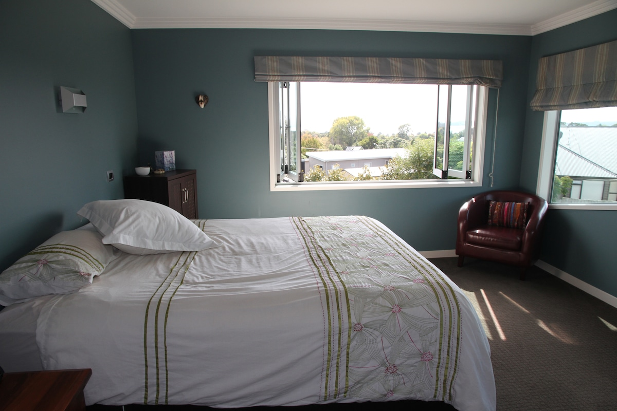 Views and Comfort in Omokoroa