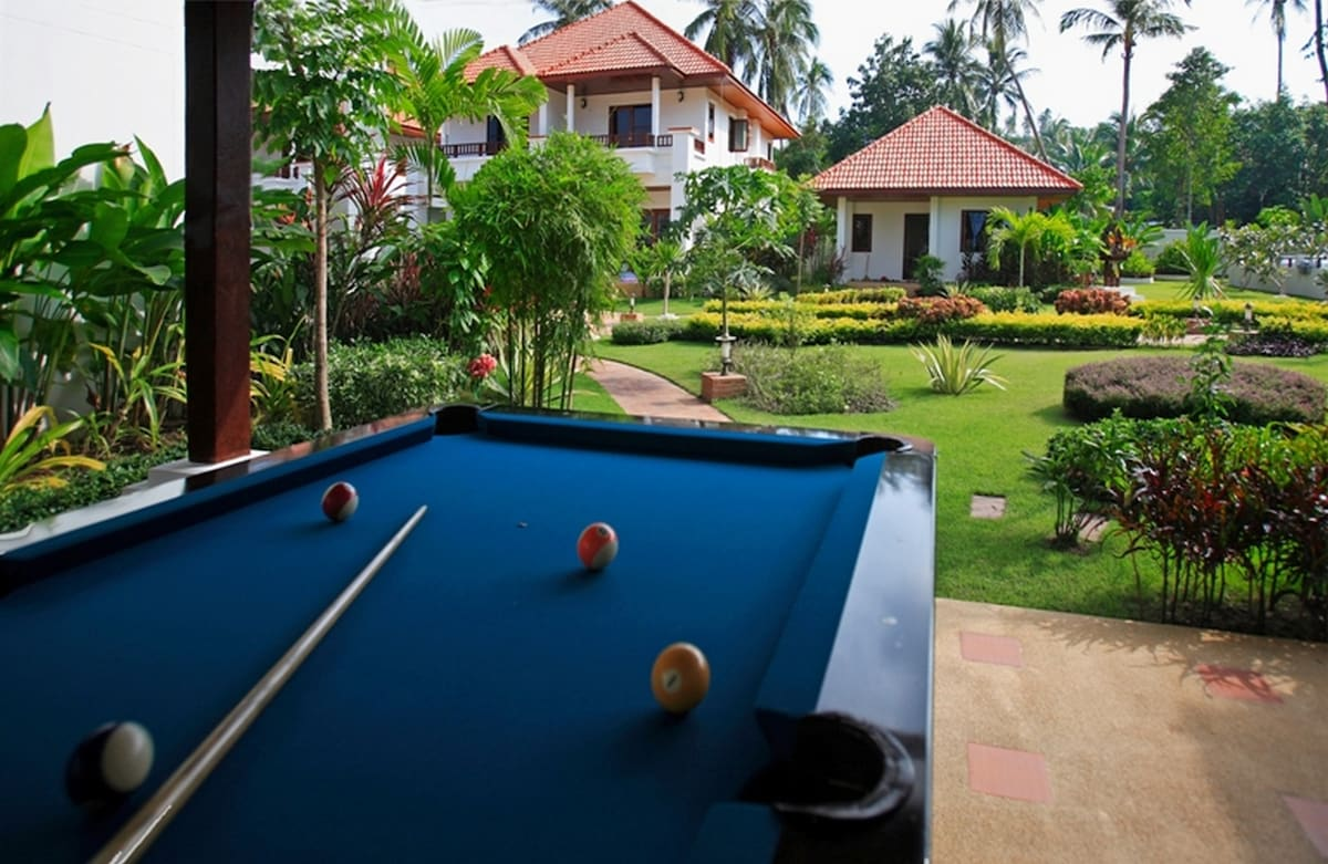 Luxury 2 Bedroom Homes with Pool