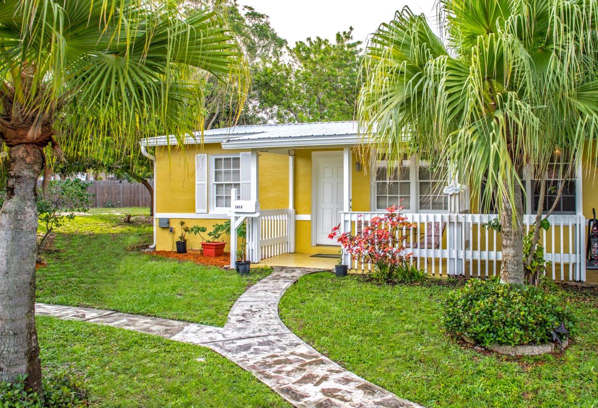 cute 1948 cocoa beach villa,remodel