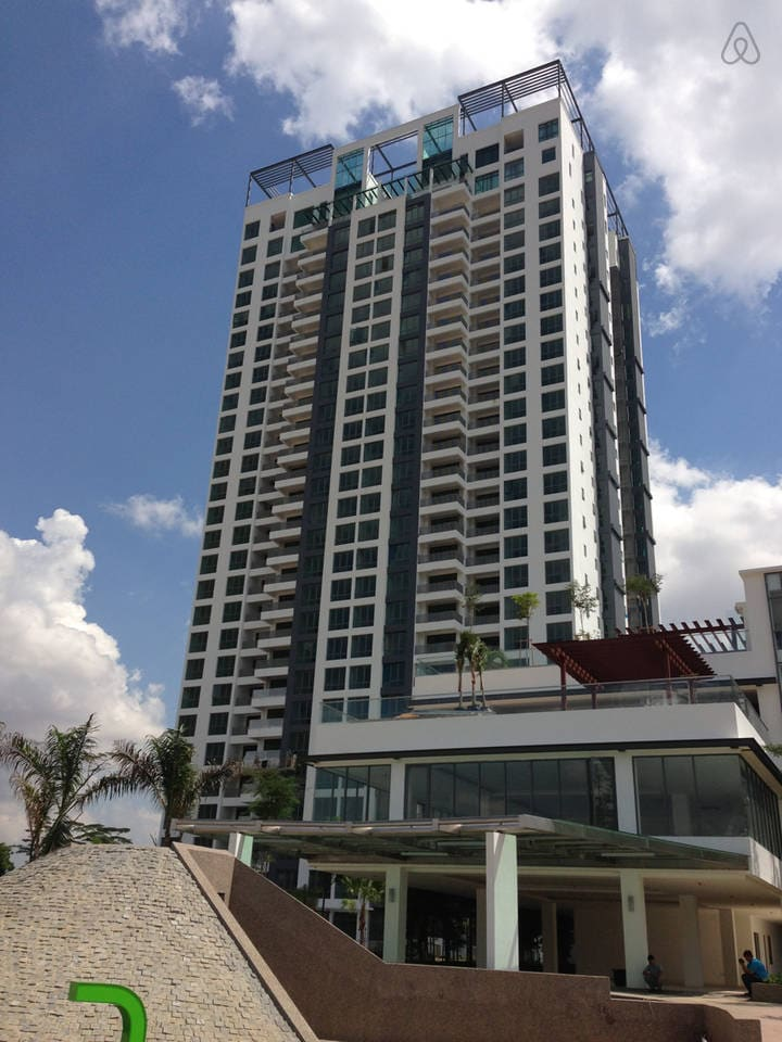 Finest Condo in Johor ! w/ONSEN SPA