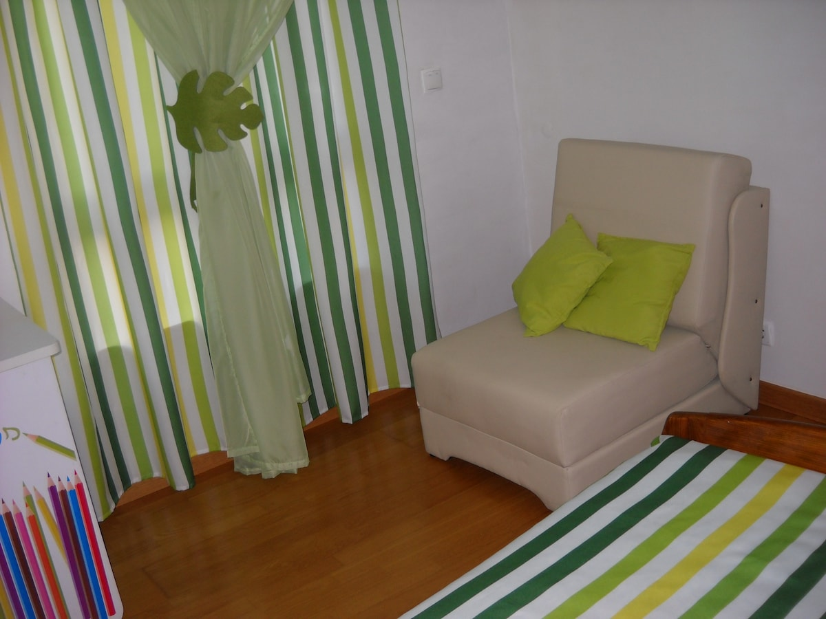 Quarto individual com wc privativo