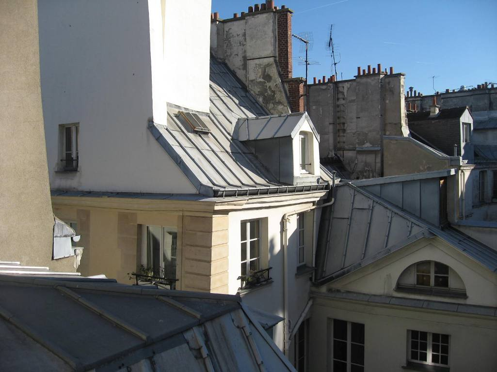 cute studio on the roofs of Paris