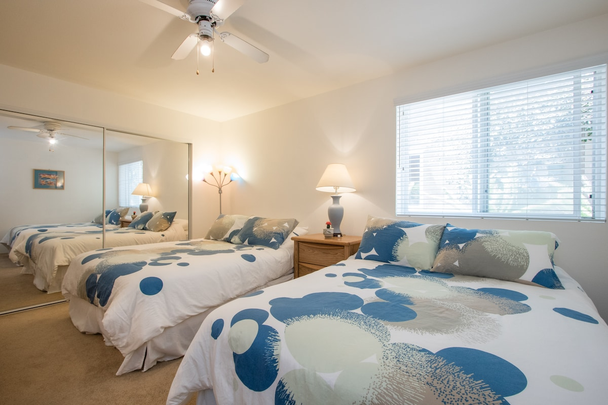 2 Queen beds, Beach & Ocean View