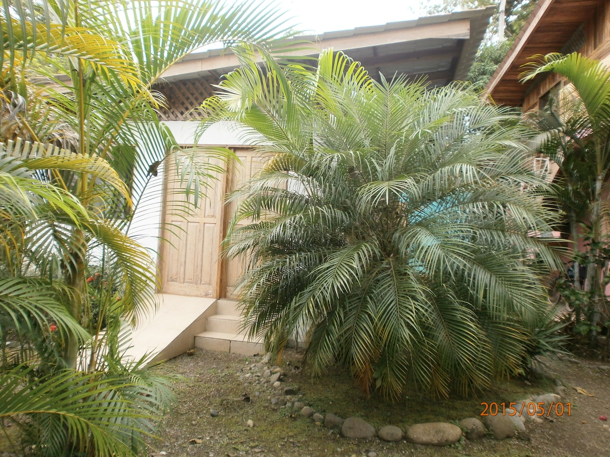 Coconut Love B&B bungalow with A/C