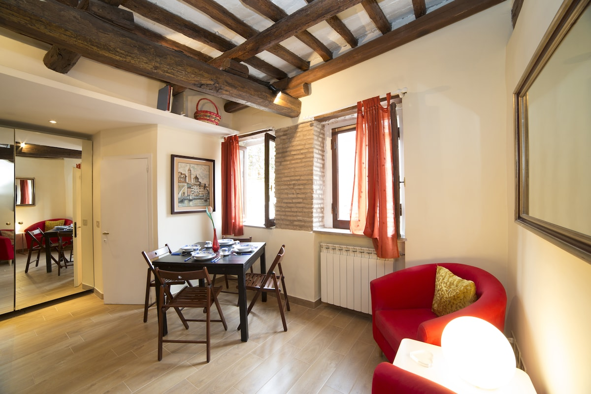 Comfy in the Heart of Trastevere