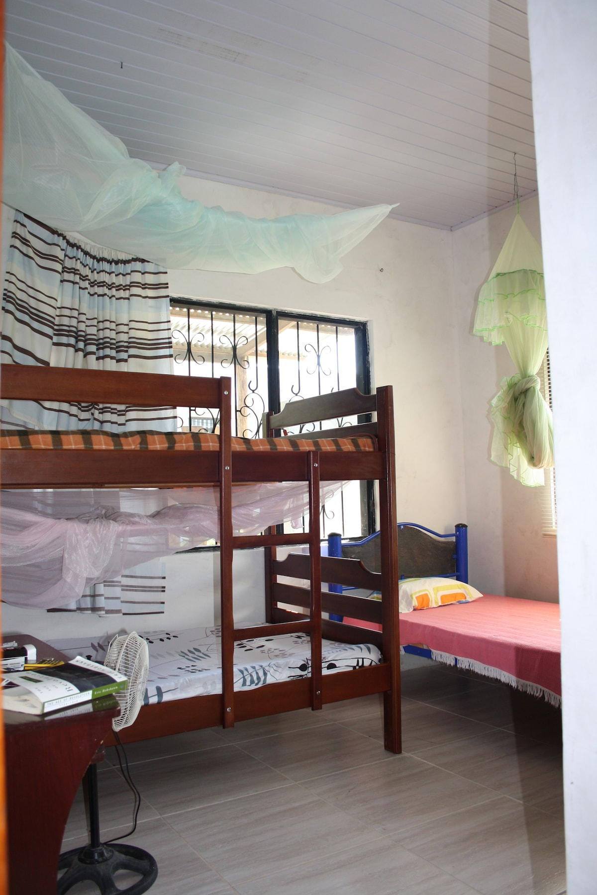 Dorms 5 USD per night