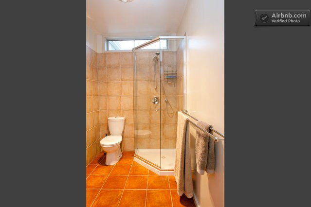 The throne and shower