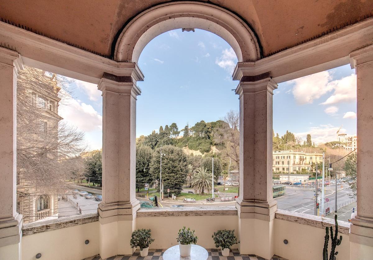 Piazza del Popolo Terraced Home