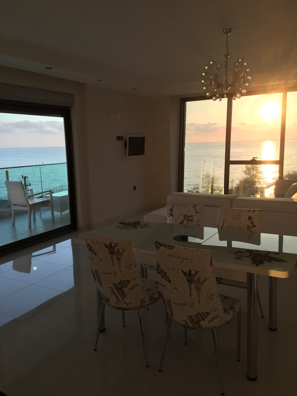 Luxury Apt with a Sea view