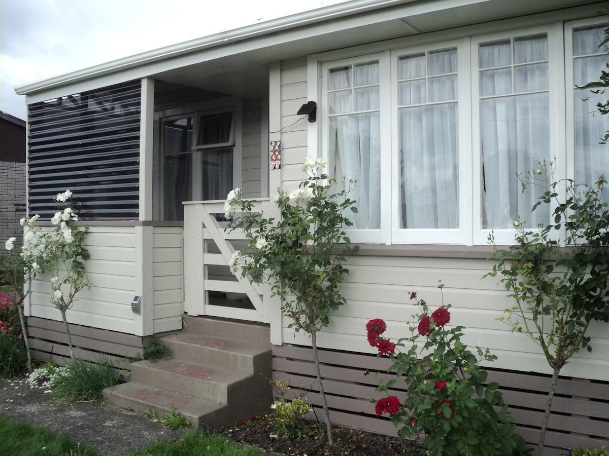 Ceciles Comfy Cottage