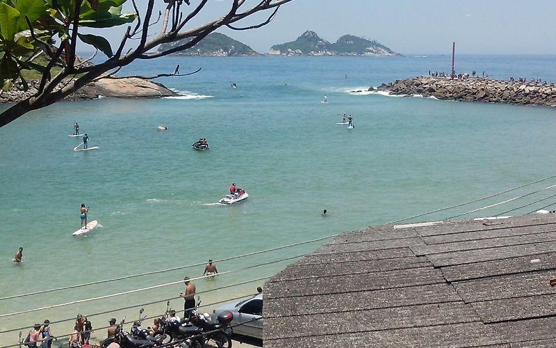 Quarto c/ cozinha na Praia da Barra