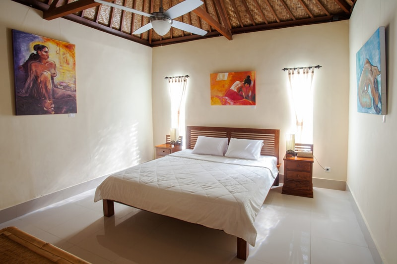 Spacious bedroom with king double bed