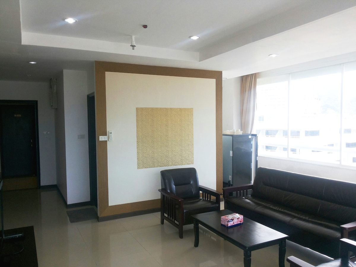 Luxurious Seaview 2BR Patong Tower