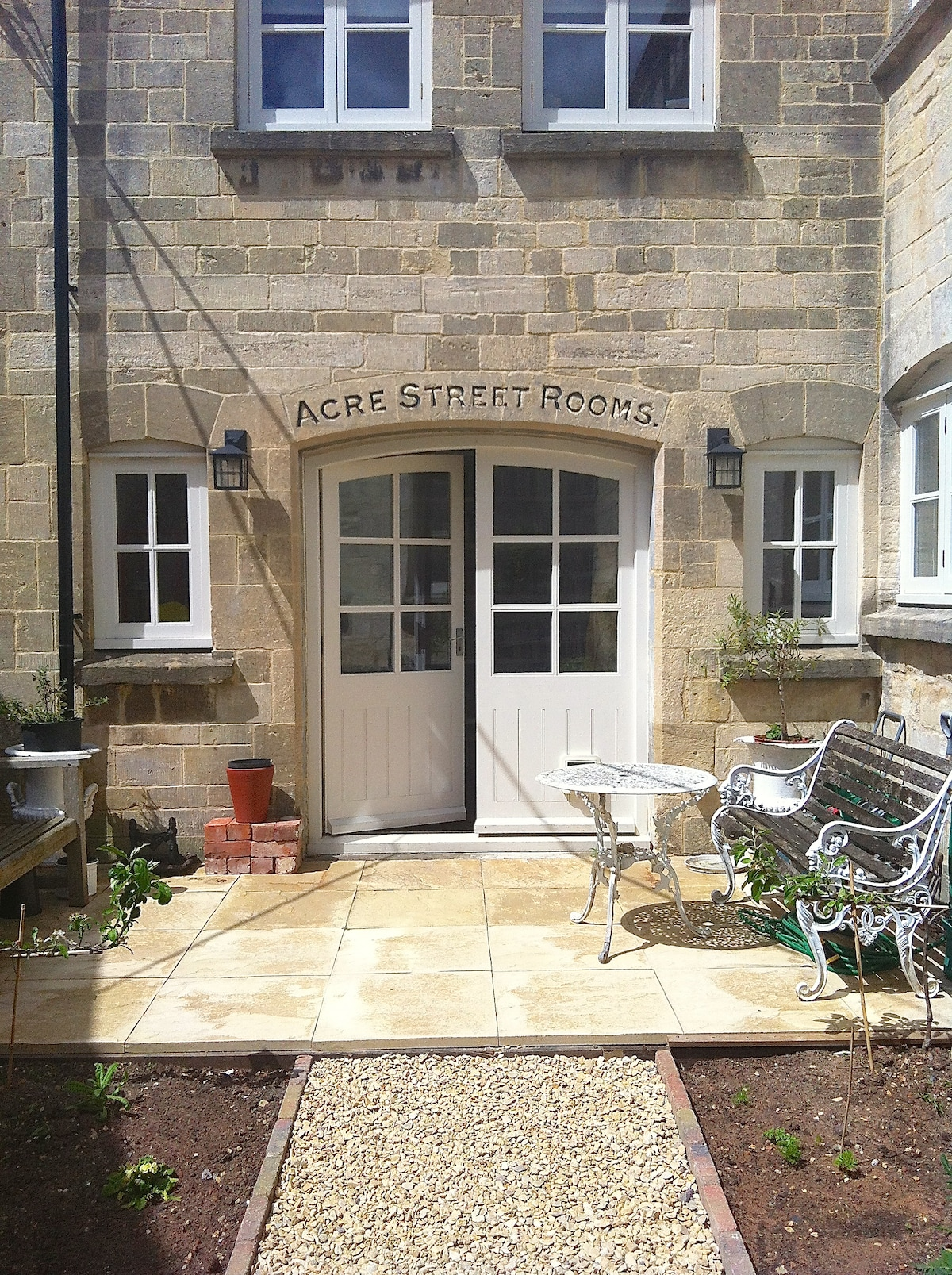 Lovely room in centre of Old Stroud