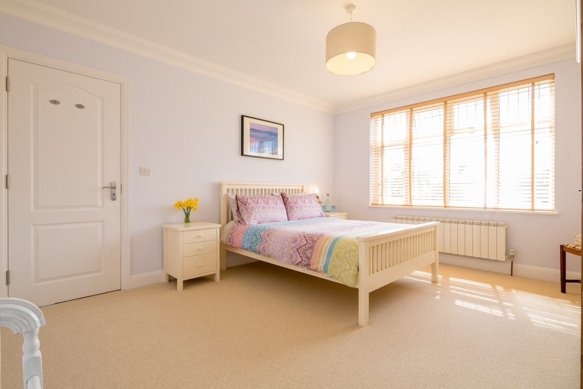 Lovely clean, spacious double room