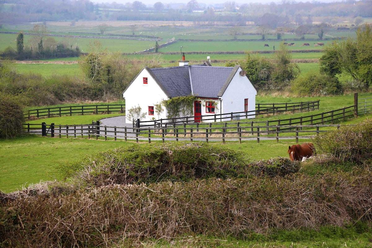 200yr 4 Star Cottage on 450 acres