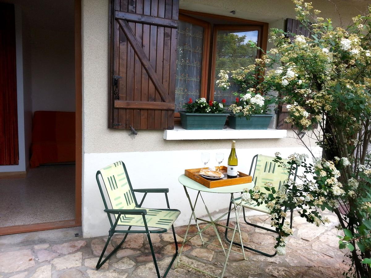 STUDIO proche Taizé / Cluny