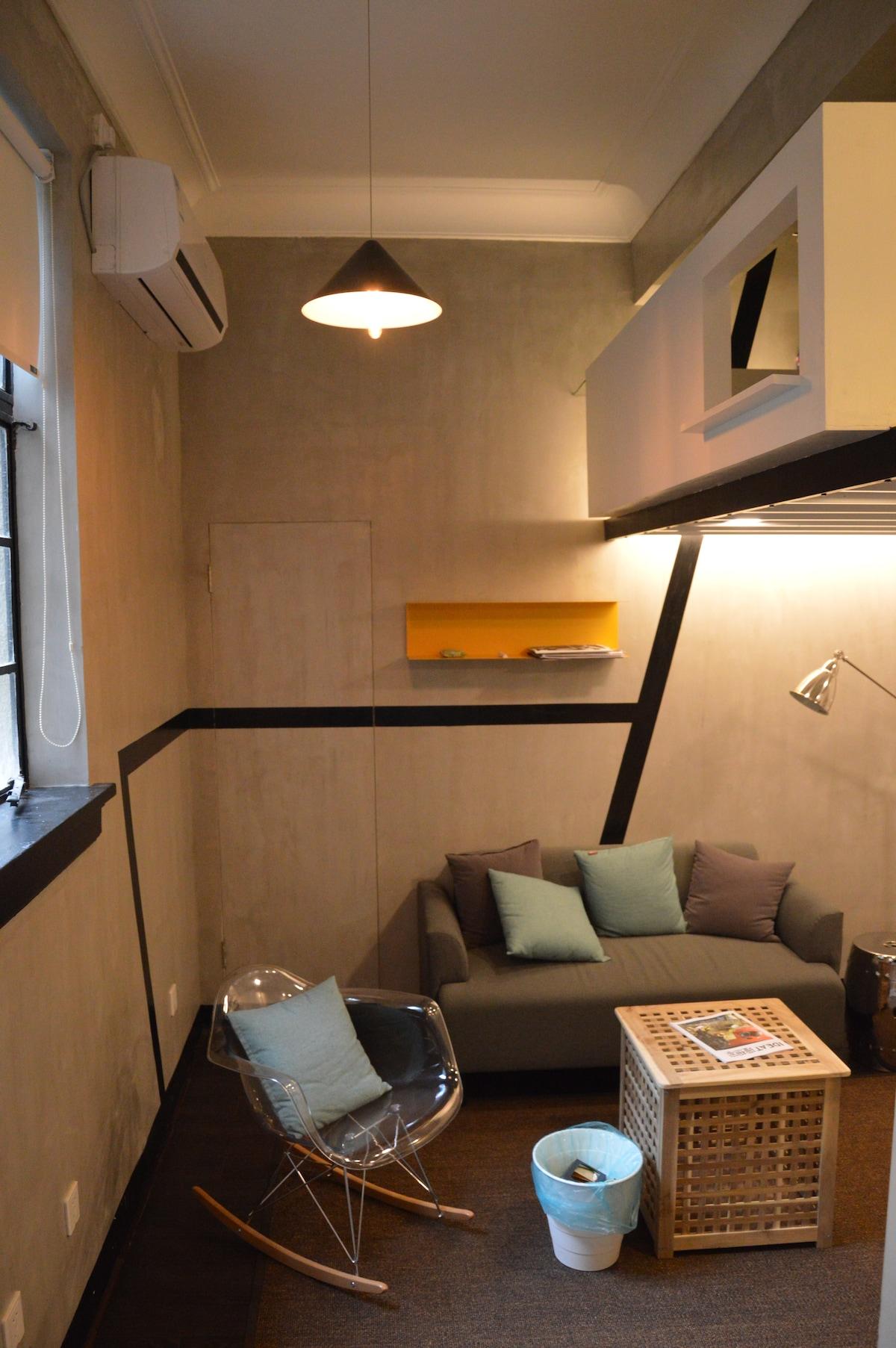 Concrete loft @ historic apartment