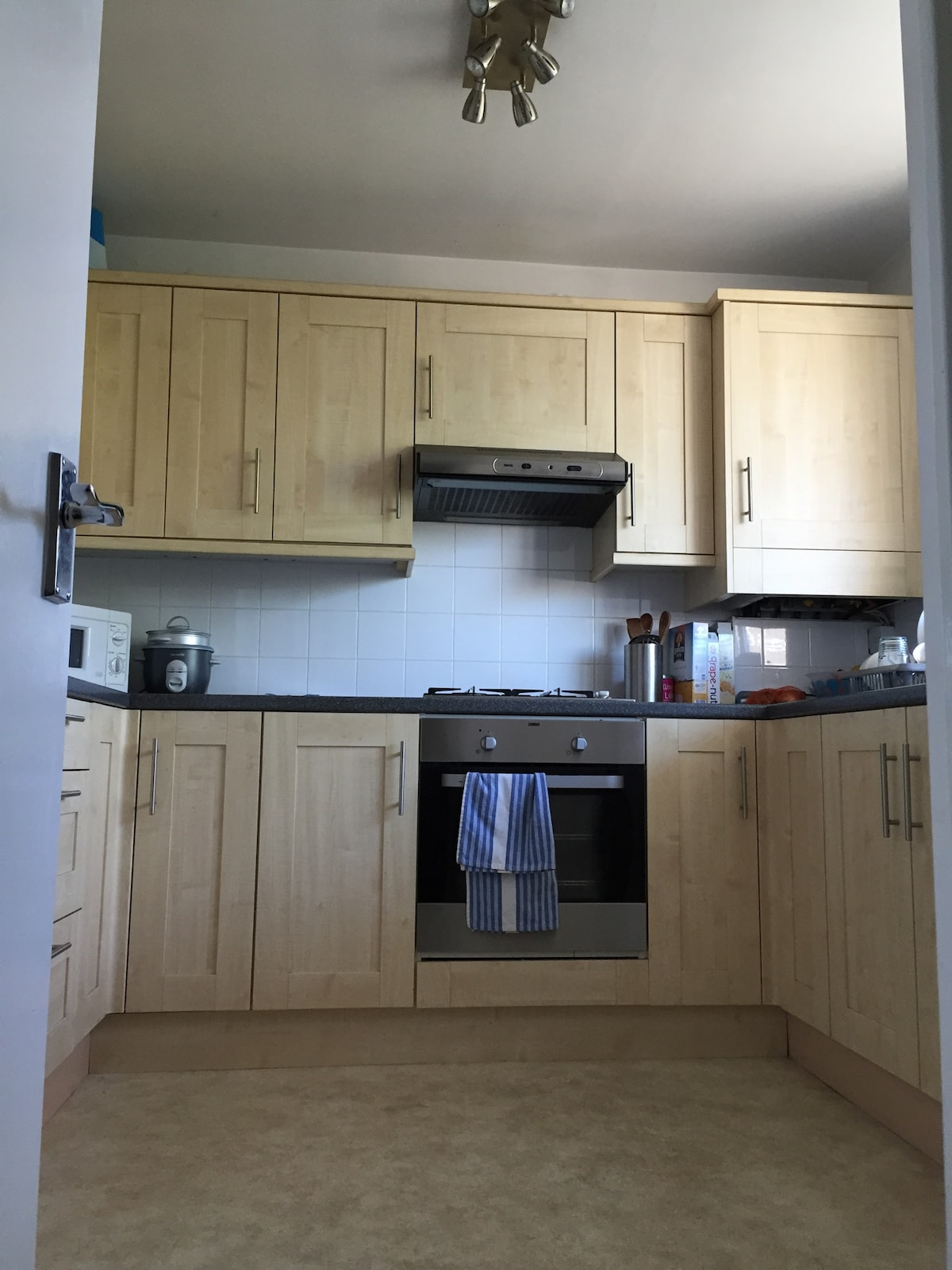Bright Double bed Room in London!