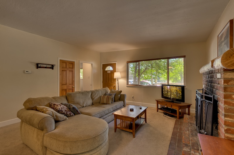 Comfortable home close to the best attractions in South Lake Tahoe!