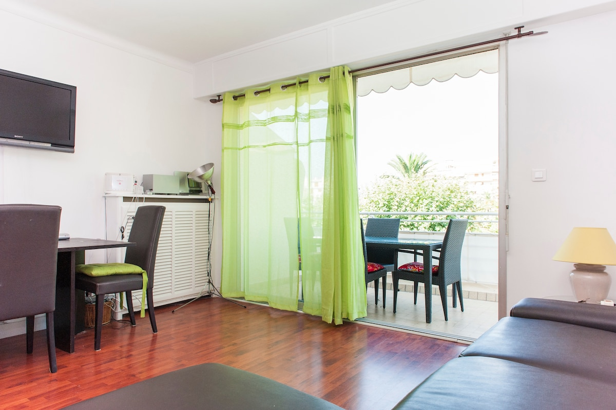 6min walk from the Croisette/Cannes
