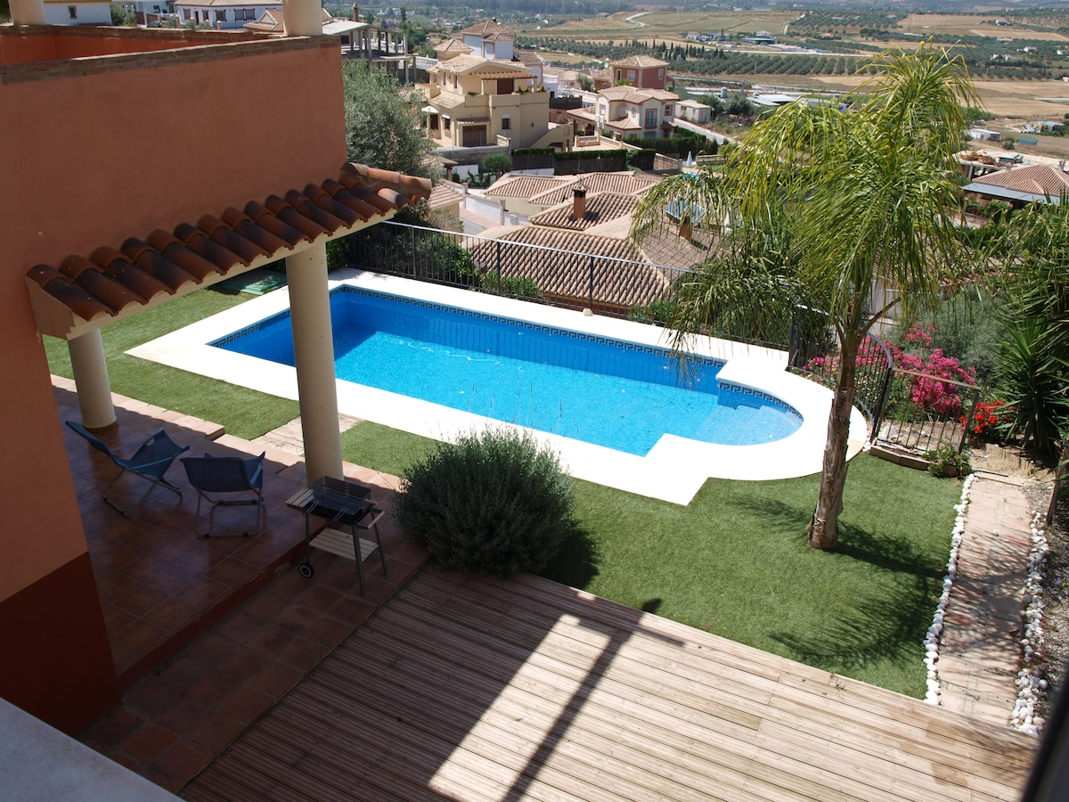 villa with nice views over valley