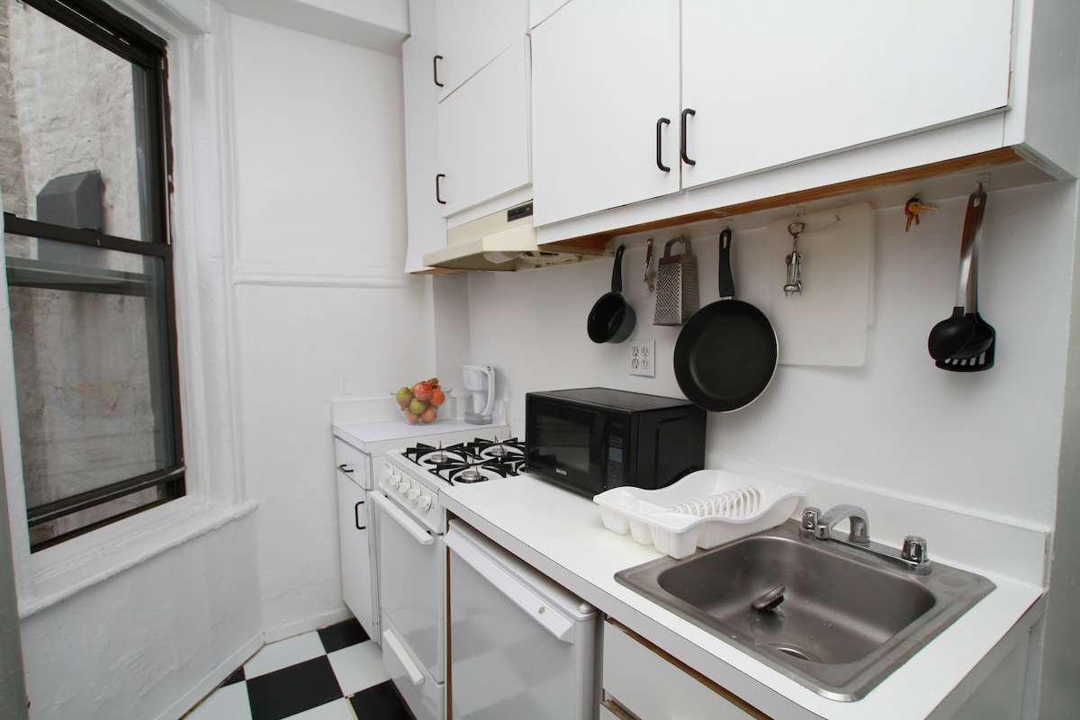Photo 6 - Fully equipped kitchen - photo taken by airbnb