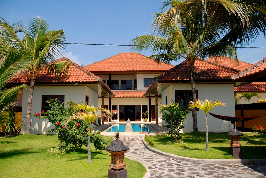 Oceanfront Holiday Villa North Bali
