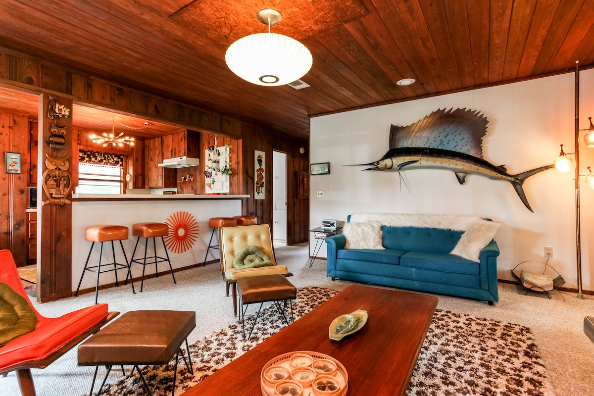 Groovy 60's Lake House