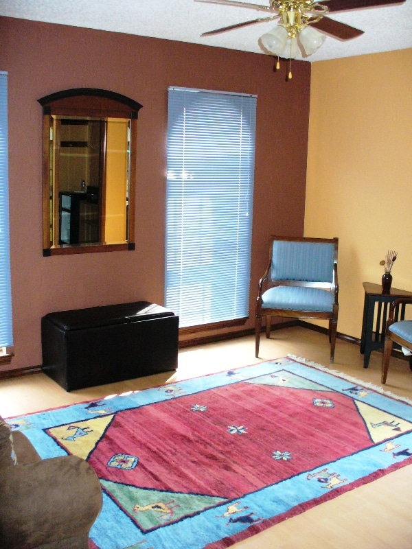 Spacious and comfortable sitting room