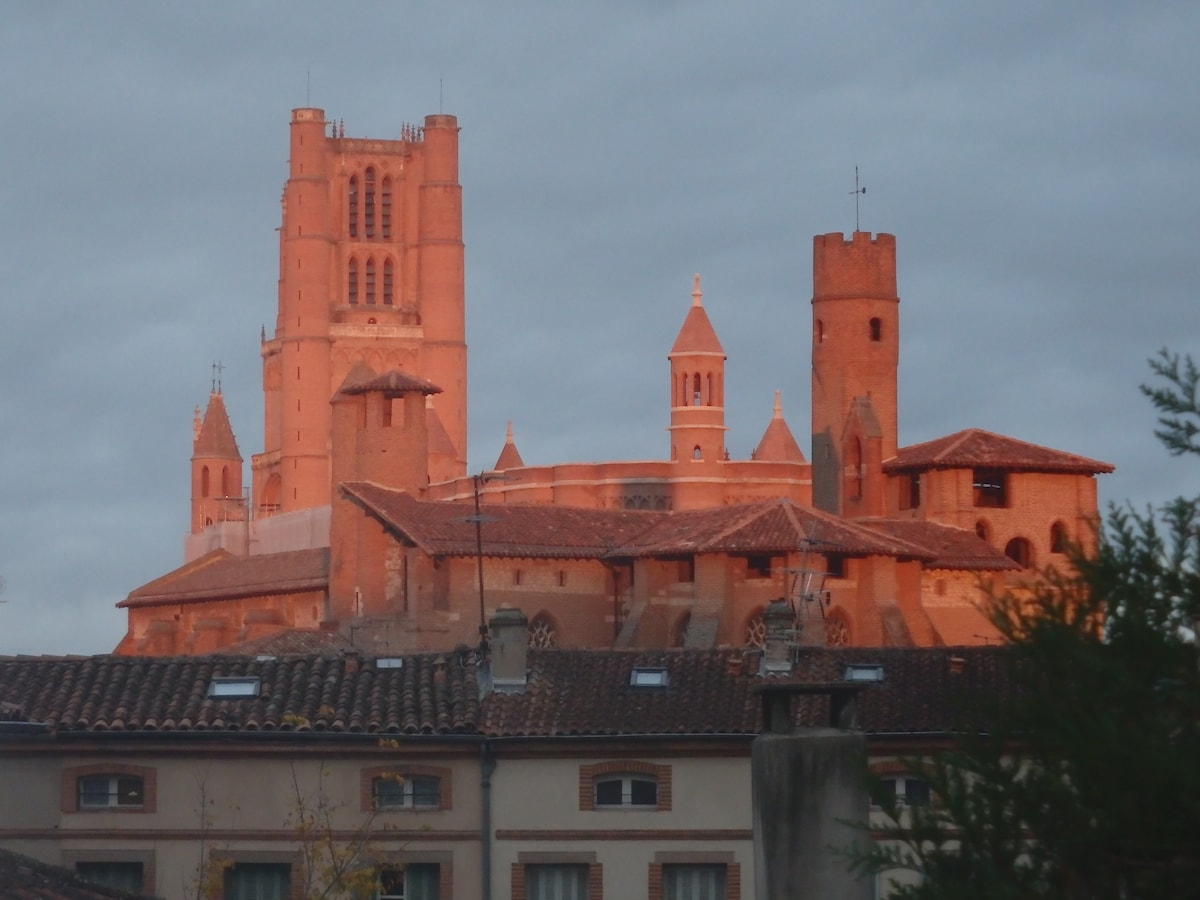 Marie-José from Albi